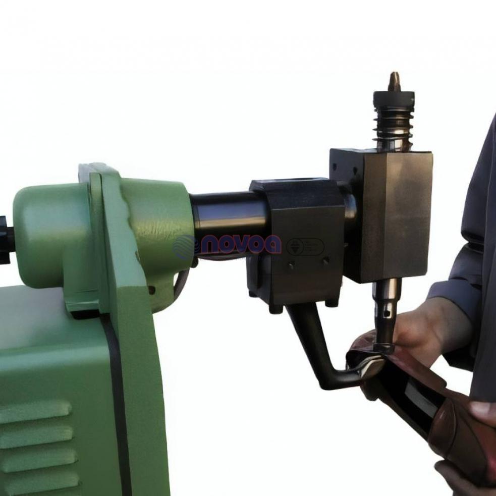 Colli Mod BS3. Máquina de asentar corte con columna.