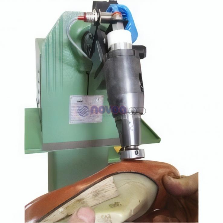 Colli Mod. BS1. Máquina de asentar costuras de zapato.